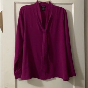 Blouse with front tie in magenta